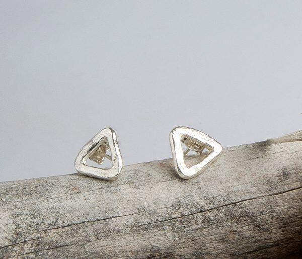 R194PP-600x515 Pendientes triangulo textura