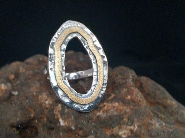 R321SOR-AU-600x450 Anillo Geometrix oval con oro